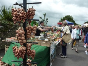 Onion seller at French Market, Shaftesbury