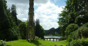 Stourhead bridge and monument